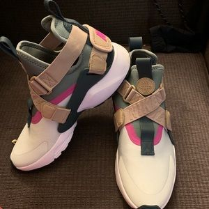 Olive Green/Pink/Tan Mid Ankle Nike's